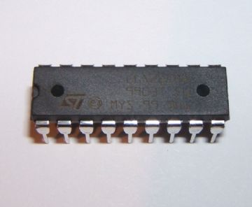 ULN2803 Transistor Array 8 x NPN 18 pin DIP Pack of 1